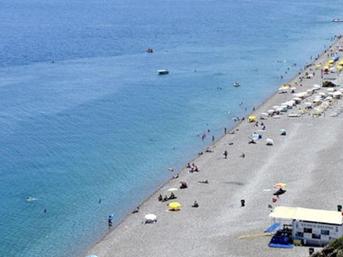 Dünyaca ünlü plaj bomboş!