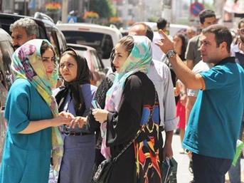 İranlı turistler Van'a erken bayram yaşattı