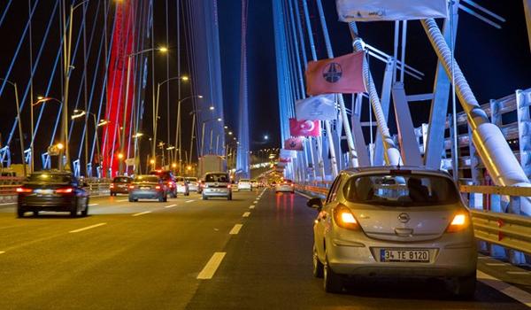 """İstanbul Boğazı'na inşa edilen """"dünyanın en geniş köprüsü"""" Yavuz Sultan Selim Köprüsü hizmete girdi."""