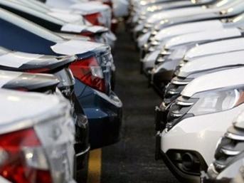 Otomotiv pazarı yüzde 30 daraldı