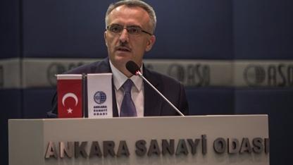 """Maliye Bakanı Naci Ağbal, """"Sadece asgari ücretlimiz değil, ocak ayında brüt bin 750 liranın altında maaş alan kimsenin maaşı yıl boyunca net bin 300 liranın altına düşmeyecek"""" dedi."""