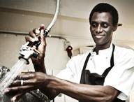 Bulaşıkçı Ali, ünlü restoranın ortağı oldu