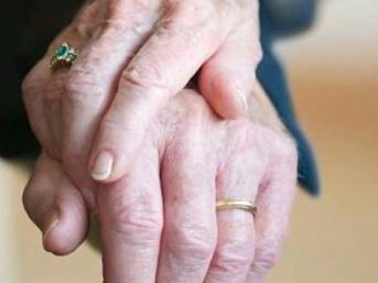 Evlilikte 25 yılını tamamlayan kadınlar emekli olabilecek