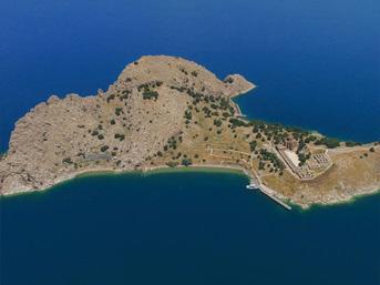 Akdamar Adası'na ziyaretçi ilgisi