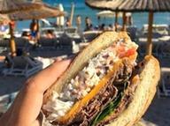 Ünlü tatil merkezinde çeyrek altın fiyatına hamburger