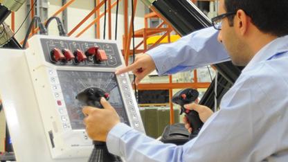 ASELSAN'ın en fazla tercih edilen ürünleri arasında yer alan uzaktan komutalı silah sistemleri ailesinin yeni ürünü Nefer, yurt dışından talep aldı. Ürün seri üretime hazır hale getirilirken bu yıl içinde 2 farklı müşteriyle sözleşme öncesi atışlı testler gerçekleştirilecek