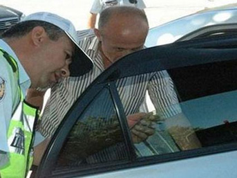 İETT otobüsünden binek araçlara, polis denetime başladı