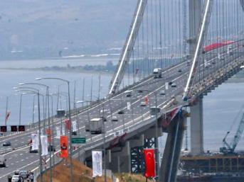 Bakan Arslan'dan 'Osmangazi Köprüsü' ve 'Bursa-İzmir Kemalpaşa hattı' açıklaması