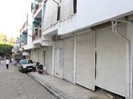 Antalya'nın Aksu ilçesinde esnaf kepenk kapatıyor