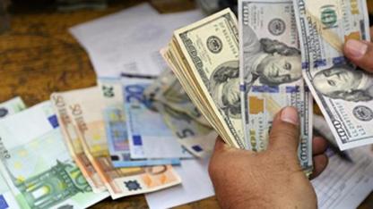 Euro, dolar ve sterlin rekor kırdı: TL'deki düşüşün 5 nedeni