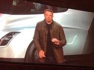 Tesla'nın kurucusu Elon Musk yeni araçlarını tanıttı