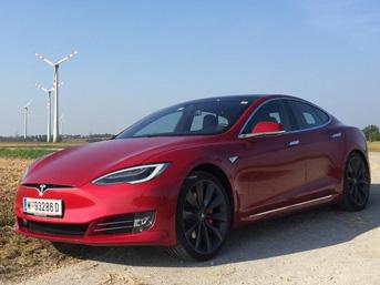 Zorlu herkesi Tesla'ya bindirecek!