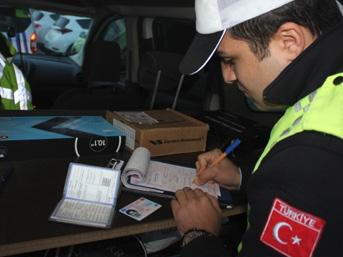 İstanbul'da zorunlu kış lastiği uygulaması kontrolu