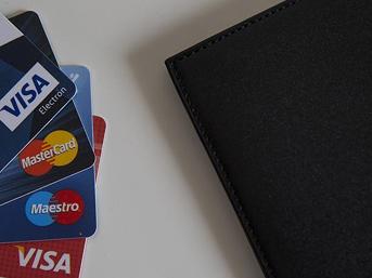 Aidatsız kredi kartı çıkarmayan bankaların ödeyeceği ceza arttı