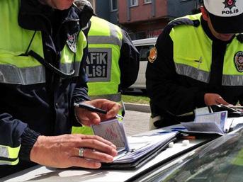 Yabancı plakalı araçlar, trafik cezaları ödenmeden yurt dışına çıkamayacak