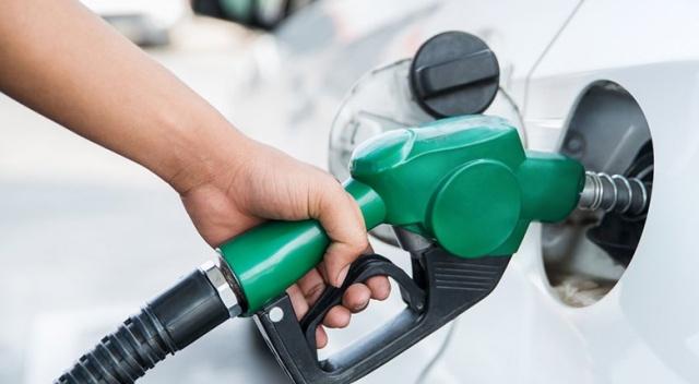 Araç sahiplerine kötü haber! Benzin fiyatlarına zam geldi