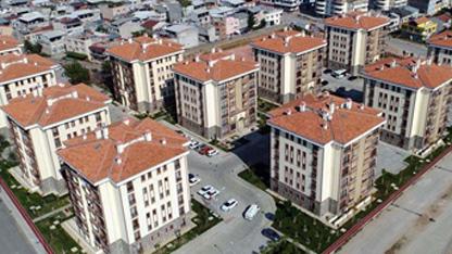 Türkiye genelinde konut satışları 2018 Şubat ayında bir önceki yılın aynı ayına göre yüzde5,4 oranında  azalarak 95 953 oldu. K