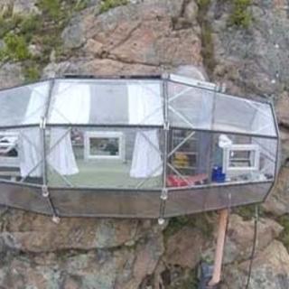 Uçurumun kenarında camdan otel yaptılar