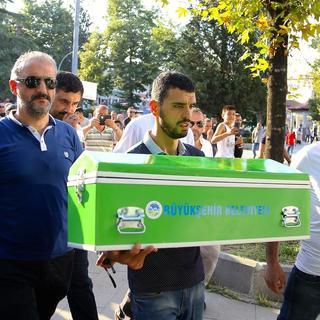 Kenan Sofuoğlu'nun oğlu Hamza toprağa verildi