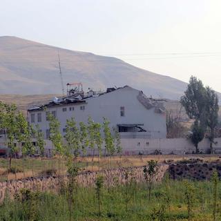 Karakola 2 ton bombayla intihar saldırısı