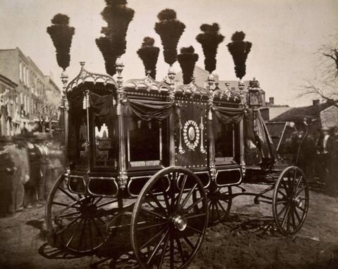 Nadir Görülmüş 35 Tarihi Fotoğraf