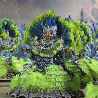 Rio karnavalı hız kesmeden devam ediyor