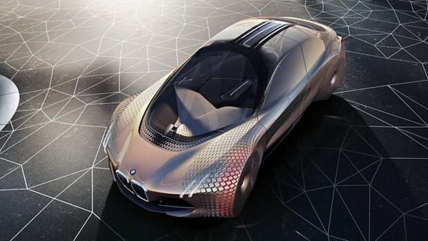 BMW'den 100. yılına özel