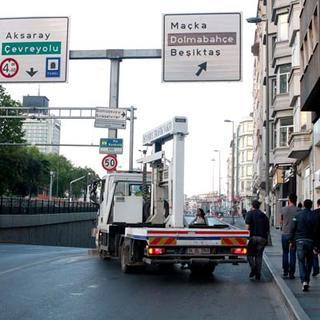 Taksim ve Beşiktaş'ta ortalık karıştı