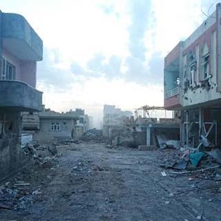 PKK'lı teröristler Nusaybin'i harabeye çevirdi