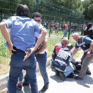 Ege Üniversitesi'nde eyleme sert müdahale: 17 gözaltı