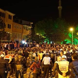 'Türk bayrağı yakıldı' iddiası