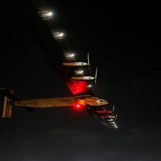 Solar Impulse 2 Abu Dabi yolunda