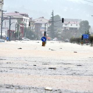 Trabzon'da sel 2 can aldı