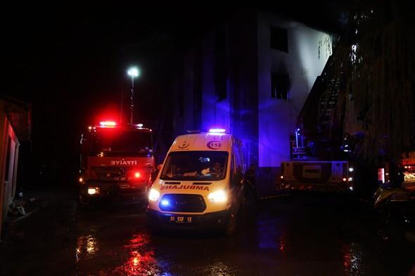 Adana'da kız öğrenci yurdundaki yangından ilk kareler