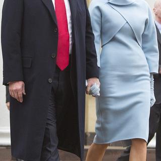 Melania Trump, törende büyüledi
