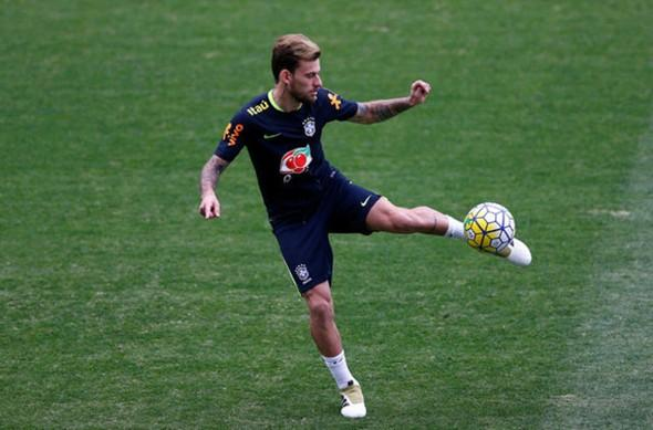 Fenerbahçe'ye transferde büyük şok!