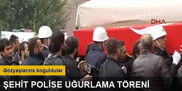 Diyarbakır'da şehit olan iki polis için tören düzenlendi