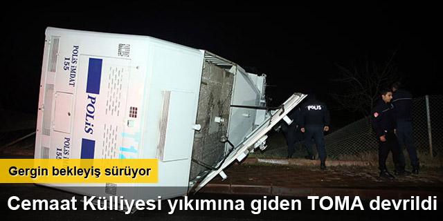 TOMA devrildi, 2 polis yaralandı
