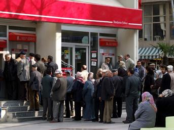 SGK, Halkbank arasındaki protokol imzalandı