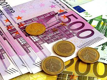 Euro ile faizler dibe vurdu, altın coştu