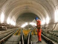 Tam  km! Dünyanın en uzun tüneli tamamlandı