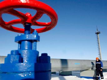Gazprom, Türk Akımı'nın kapasitesini yarı yarıya indirdi