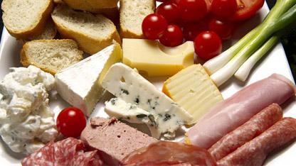 Gıda, Tarım ve Hayvancılık Bakanlığı, taklit veya tağşiş yapıldığı kesinleşen ürünlerle içeriğinde ilaç etken maddesi tespit edilen ürünleri kamuoyuna açıkladı.