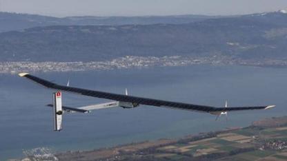 Dünyanın sıfır yakıtla uçan ilk dört motorlu uçağı Solar Impulse, dünya turuna çıkıyor.