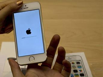 iPhone'a Türkçe Siri geldi