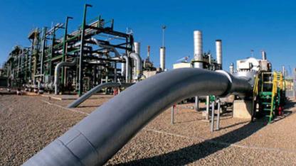 Goldman Sachs, petrol fiyatlarında yaşanan yükselişin güç kaybedeceğini ve fiyatların uzun süre düşük kalacağını öngördü.