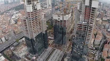 Torun Center inşaatında meydana gelen asansör kazasında hayatını kaybeden kartonpiyer işçisi Murat Usta'nın ailesi, 820 bin TL'lik maddi ve manevi tazminat davası açtı.