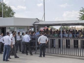 Ankara'da Türk Traktör işçileri iş bıraktı