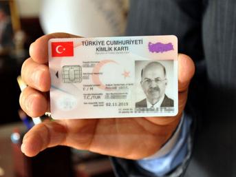 Yeni kimlikler pasaport yerine kullanılacak