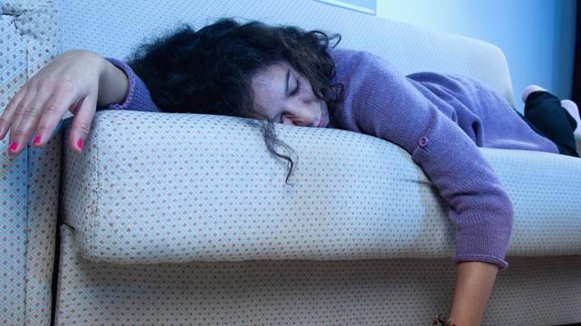 Sürekli televizyonun önünde uyuya mı kalıyorsunuz?